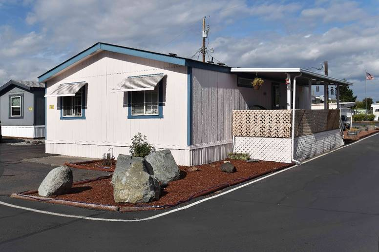 Manufactured Home For Sale at Carefree Mobile Village