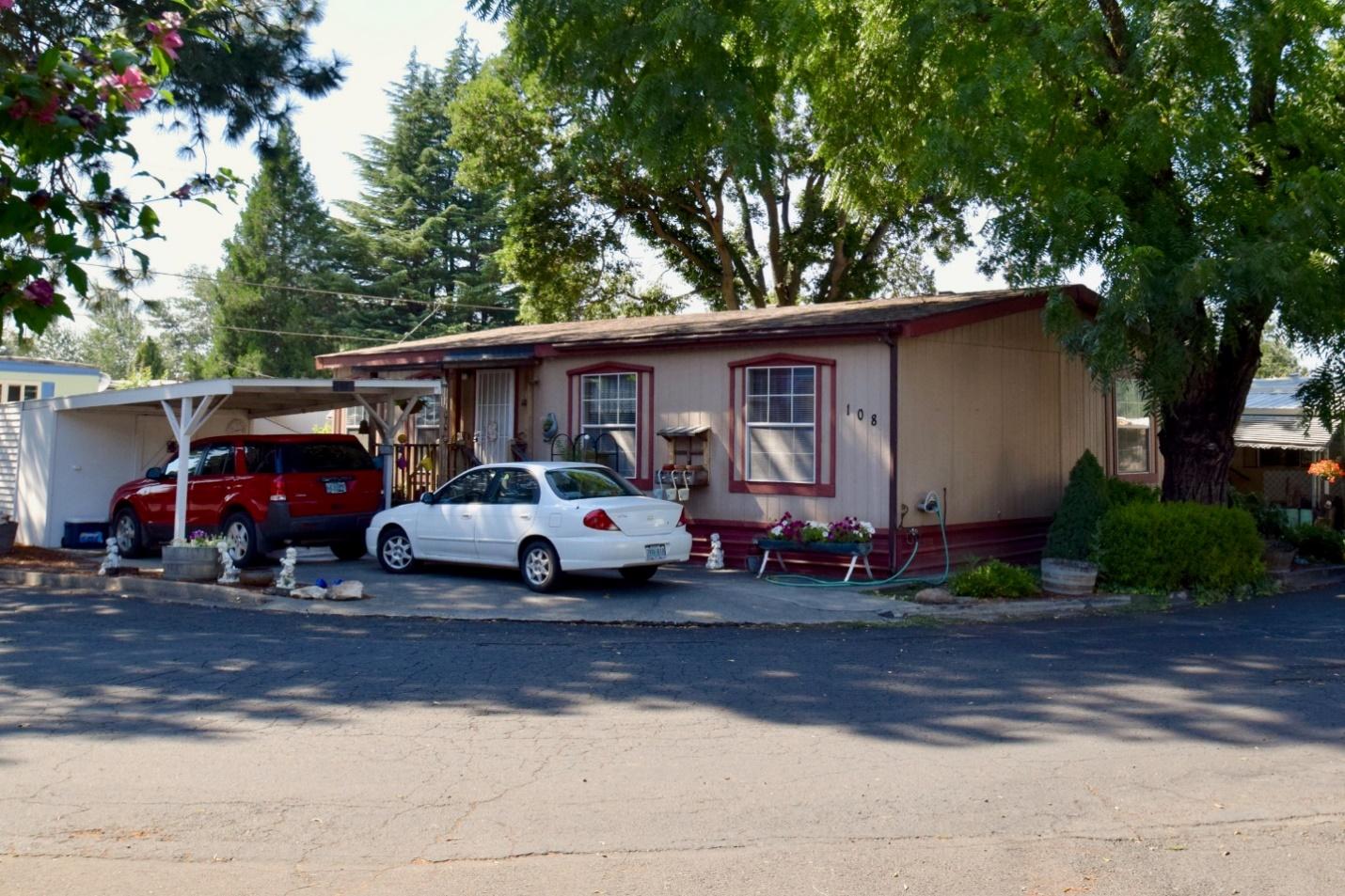 Manufactered Home For Sale At Royal Oaks Mobile Manor Medford Oregon